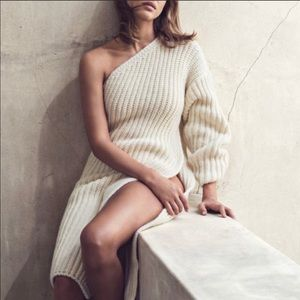 Stella McCartney One Sleeve Sweater with slit 6/8